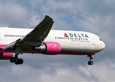 Še en škandal letalske družbe? Tokrat je Delta z letala vrgla družino z otrokom!