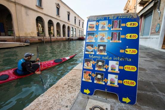 Benetke napovedale boj proti restavracijam s hitro prehrano!