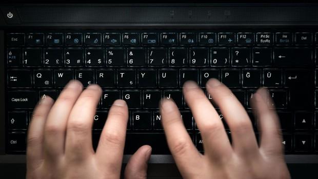 Nas že v ponedeljek čaka nov kibernetski napad? (foto: profimedia)