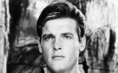 Umrl je britanski igralec Roger Moore!