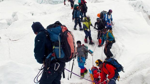 Na Everestu našli še štiri mrtve alpiniste (foto: profimedia)