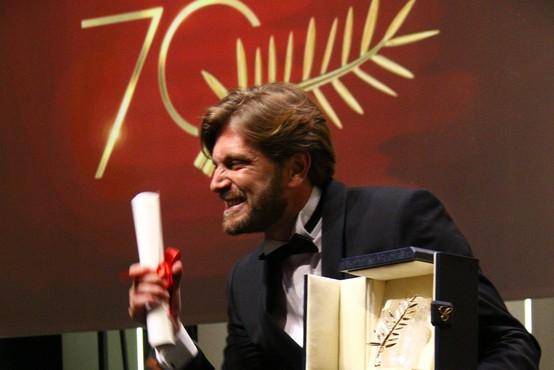 V Cannesu zlata palma švedskemu filmu The Square Rubena Östlunda