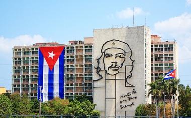 Trump ustavlja Obamovo 'prehitro' normalizacijo odnosov s Kubo!