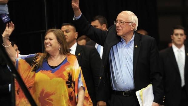 Sandersova soproga pod finančno preiskavo FBI, ki jo je sprožil Trumpov nekdanji šef kampanje! (foto: profimedia)