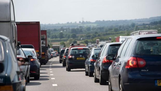 Ob začetku glavne sezone se pričakuje gost promet z zastoji (foto: Profimedia)
