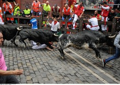 Prvi dan teka v Pamploni biki na roge nabodli enega Španca in dva Američana!