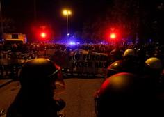 V izgredih v Hamburgu poškodovanih 76 policistov