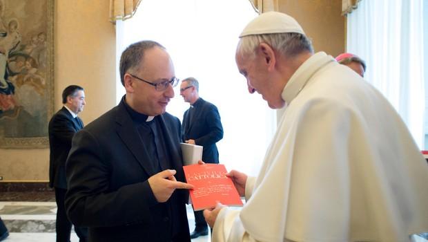 Zaupnik papeža Frančiška ostro napadel ameriško versko desnico (foto: profimedia)