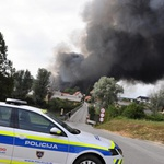 Požar v Zalogu pri Novem mestu so ukrotili, zdaj pa ugotavljajo, kako se je to lahko zgodilo! (foto: Rasto Božič/STA)