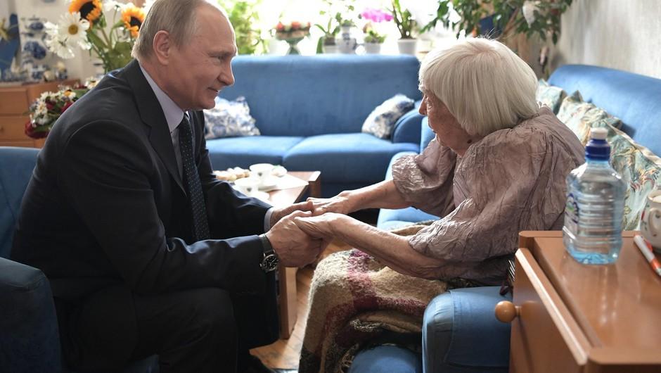 Putin obiskal borko za človekove pravice ob 90. rojstnem dnevu (foto: profimedia)