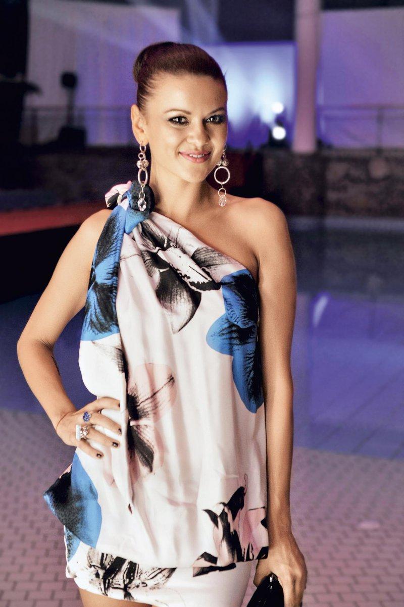 S takole visoko figo pa je navdušila na Miss Earth 2011.