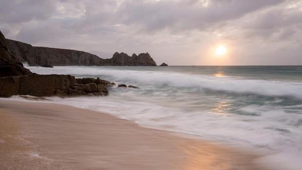 S plaže v Angliji zaradi skrivnostne meglice evakuirali obiskovalce (foto: profimedia)