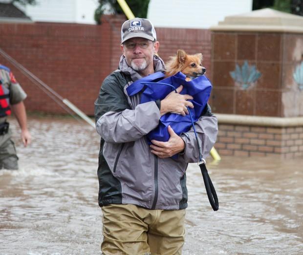 Tropska nevihta Harvey že dosegla obalo Louisiane (foto: profimedia)