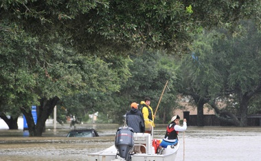 Tropska nevihta Harvey že dosegla obalo Louisiane