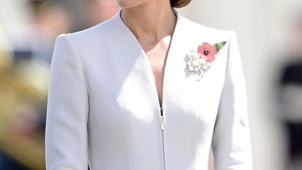 """Francoska revija Closer bo za objavo vojvodine Kate """"zgoraj brez"""" plačala 100.000 evrov! (foto: profimedia)"""
