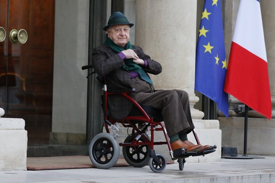 Umrl modni mogotec Pierre Berge, partner Yvesa Saint Laurenta
