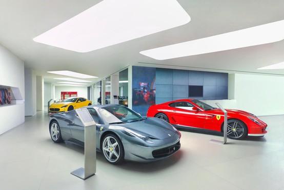 Avtomobili Ferrari praznujejo 70. obletnico