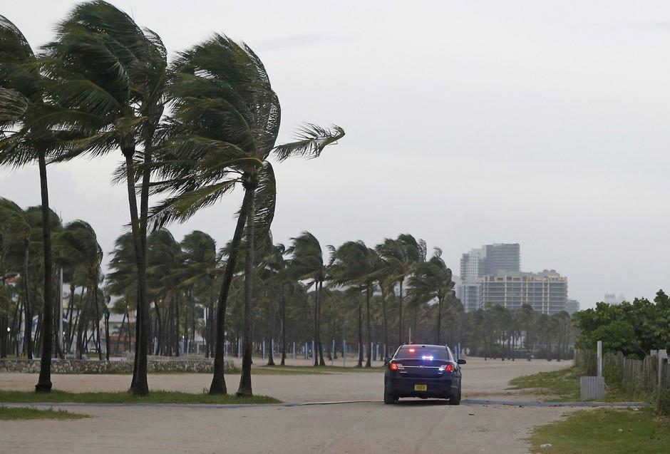 Irma pustoši po jugu Floride! Najhujše še prihaja! (foto: profimedia)