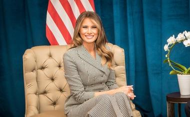 Melania Trump na svoji prvi uradni poti brez Donalda Trumpa