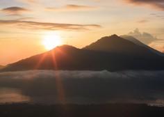 Skoraj 50.000 ljudi na Baliju beži pred vulkanom