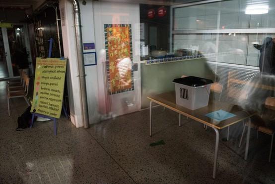 Španska policija posreduje (tudi nasilno) na katalonskih voliščih