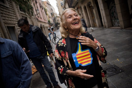 Policijsko nasilje nad Katalonci, ki bi radi glasovali na referendumu!