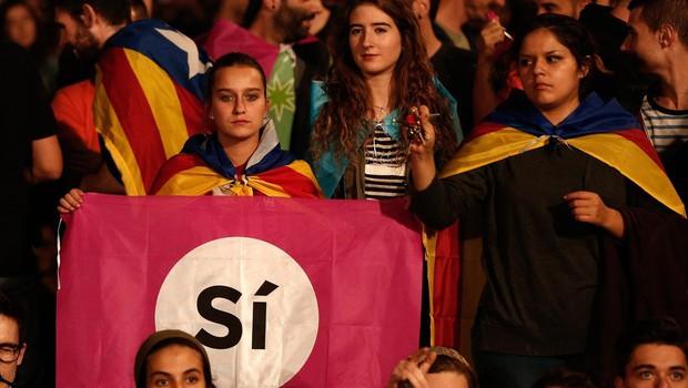 Katalonci na referendumu odločno ZA neodvisnost! (foto: profimedia)