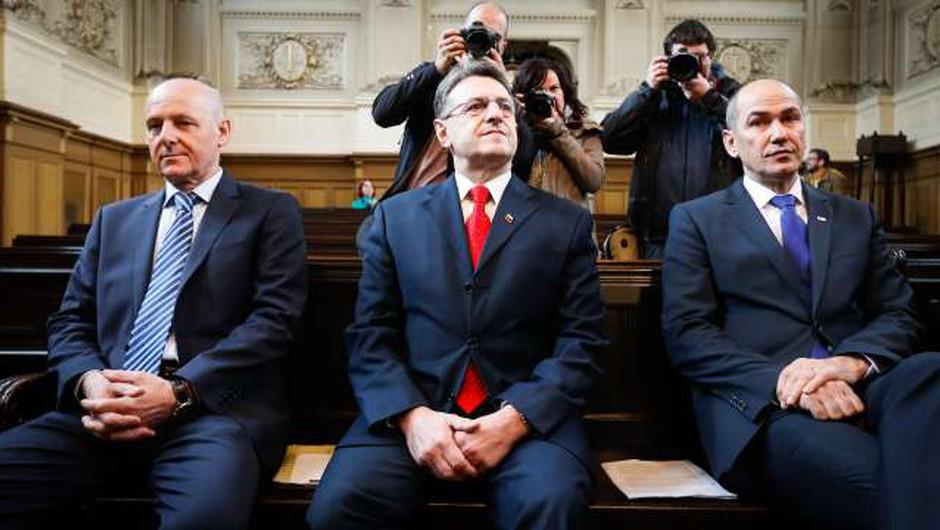 Janša, Črnkovič in Krkovič od države terjajo skupno 15 milijonov evrov! (foto: Anže Malovrh, STA)