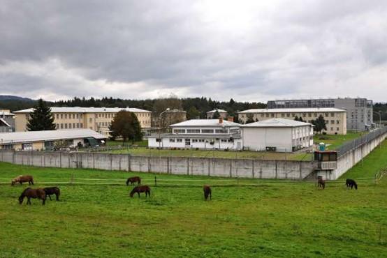 20 zapornikov na Dobu se je uprlo, poročajo Primorske novice!
