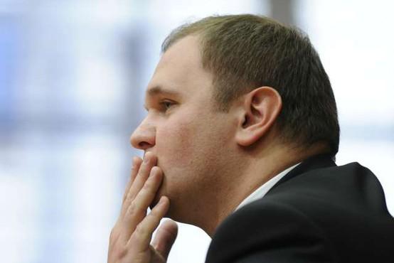 Matej Raščan zaradi oškodovanja podjetja Dela Revij obsojen na štiriletno zaporno kazen