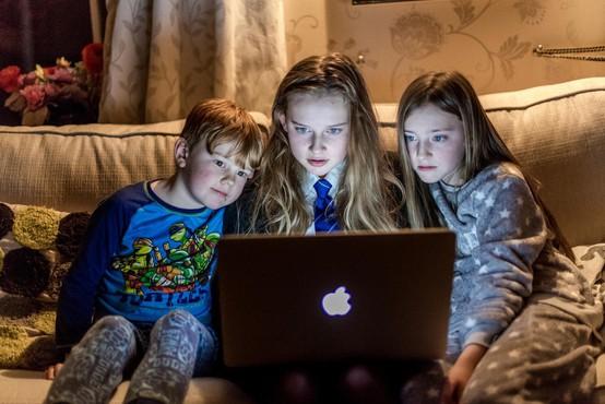 Mariborčan kljub obsodbi nadaljeval zbiranje posnetkov golih otrok prek Facebooka!
