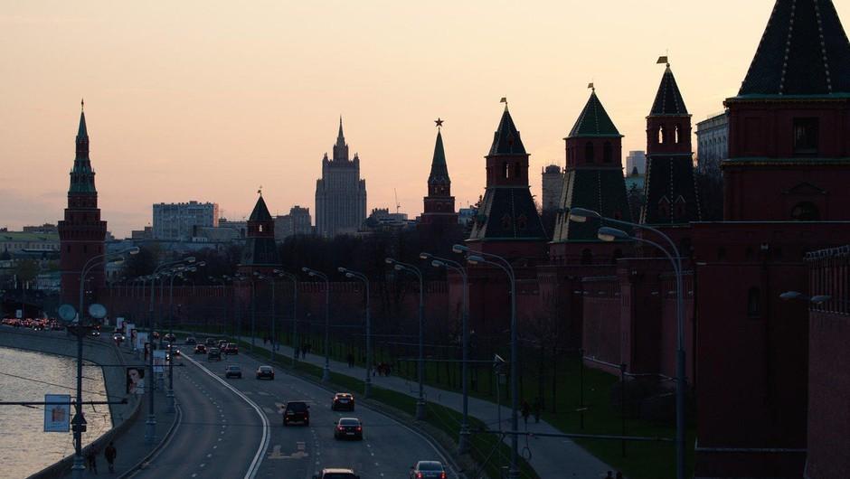 V Moskvi zaradi groženj z bombami evakuirali več tisoč ljudi (foto: profimedia)