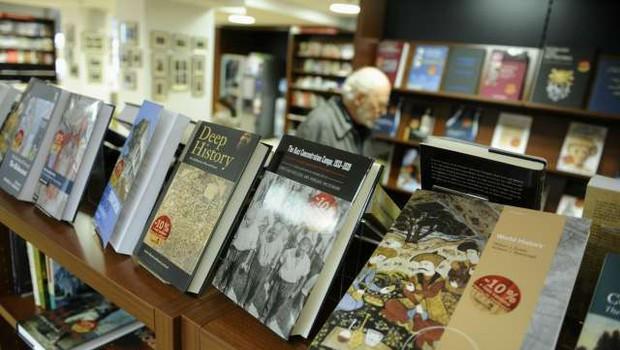 V knjigarni Konzorcij praznik tujih knjig, na Dunaju pa Teden slovenske književnosti! (foto: Nebojša Tejić/STA)