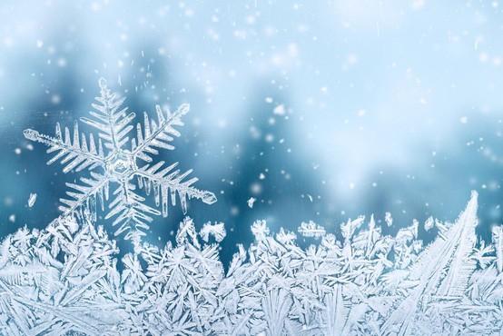 Do jutra se bo meja sneženja spustila do nižin!