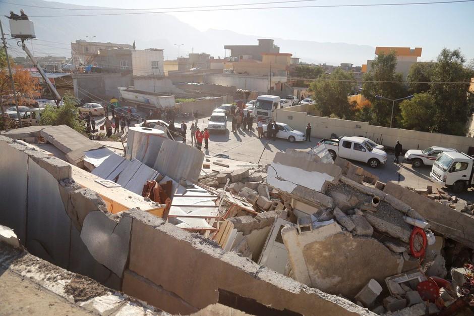 Število žrtev uničujočega potresa v Iranu in Iraku preseglo 300 (foto: profimedia)