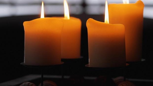 Svečka v znak solidarnosti s svojci, ki jih je prizadel samomor bližnjega! (foto: profimedia)