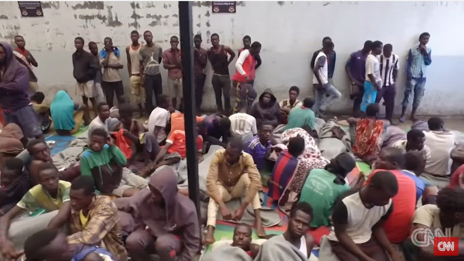Posnetek CNN televizije razkril, da v Libiji ljudi prodajajo kot sužnje na tržnicah! (foto: CNN YouTube)