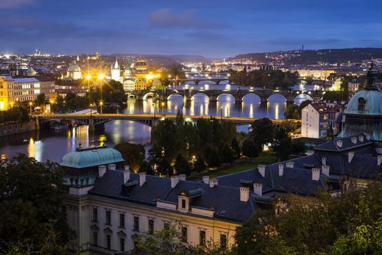 V Pragi se je zrušil več kot 250 metrov dolg most za pešce!