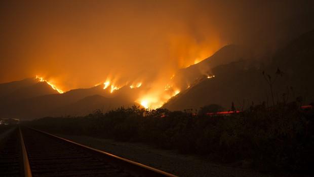 Požari v Kaliforniji dosegli tudi domove bogatašev v Bel Airu (foto: profimedia)