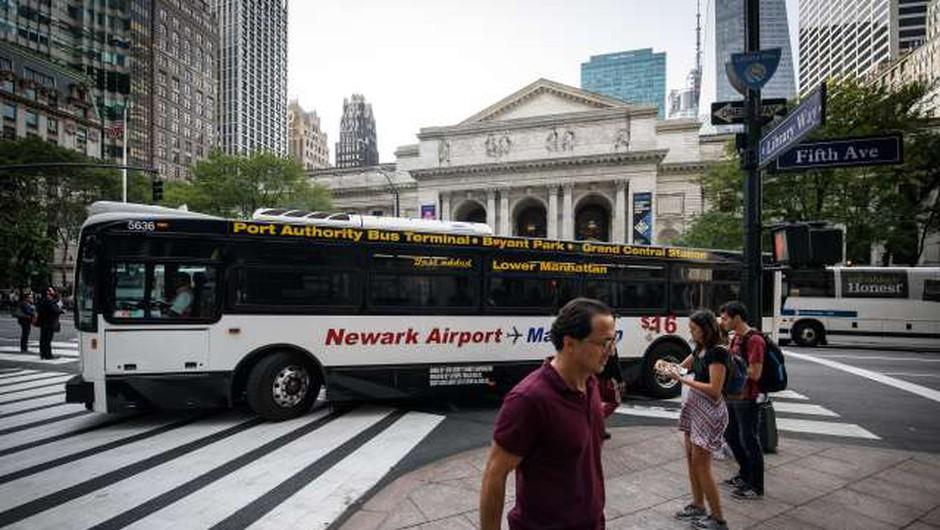 Newyorška policija aretirala osumljenca za podtaknjeno bombo pod avtobusno postajo Port Authority (foto: Nebojša Tejić/STA)