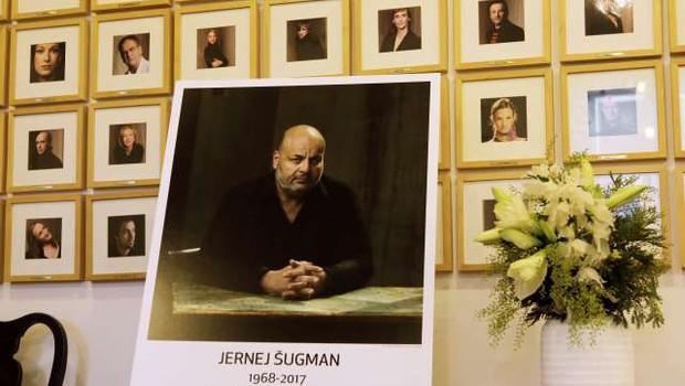 Jerneja Šugmana bodo pokopali na ljubljanskih Žalah z vojaškimi častmi (foto: Daniel Novakovič/STA)
