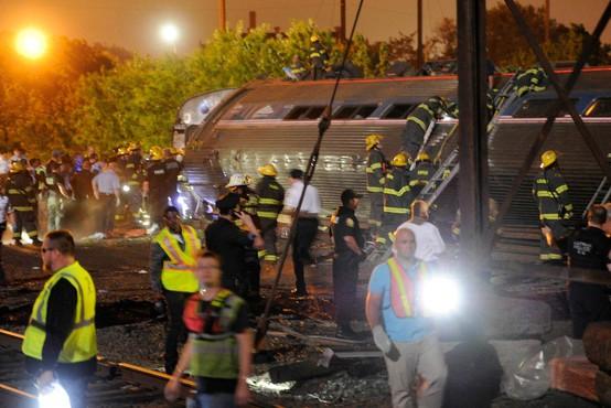 V ameriški zvezni državi Washington iztiril potniški vlak