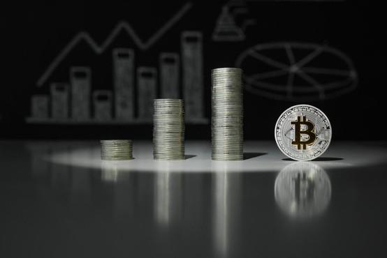 Bitcoin je po govoricah o hekerskem napadu na azijskih borzah izgubil 15 odstotkov