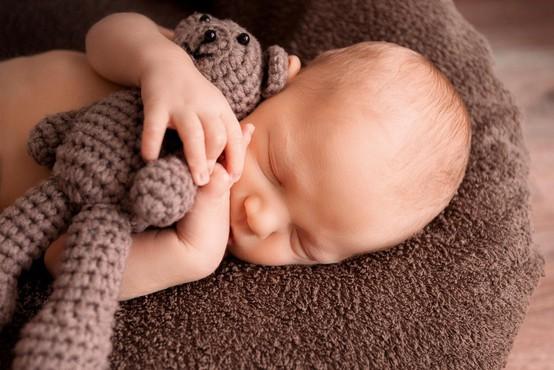 V ZDA rojen otrok iz 24 let starega zamrznjenega zarodka