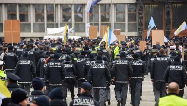 Policisti bodo stavkali 12. februarja! (foto: Nebojša Tejić/STA)