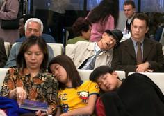 Družina iz Zimbabveja je že dva meseca ujeta na letališču v Bangkoku!