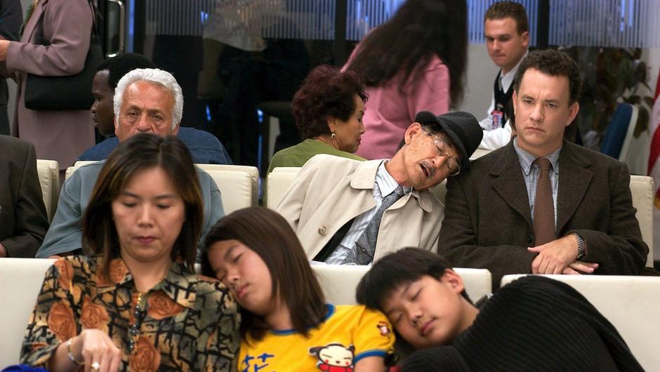 Družina iz Zimbabveja je že dva meseca ujeta na letališču v Bangkoku! (foto: profimedia)
