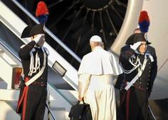 """""""Svet je na robu jedrske vojne,"""" je med letom v Čile opozoril papež!"""