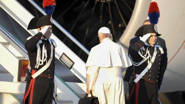 """""""Svet je na robu jedrske vojne,"""" je med letom v Čile opozoril papež! (foto: profimedia)"""