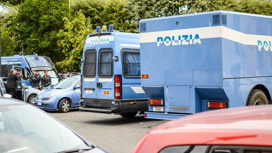 V Italiji več ranjenih zaradi strelov iz avtomobila (foto: profimedia)